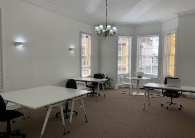 serviced offices in maidenhead desks